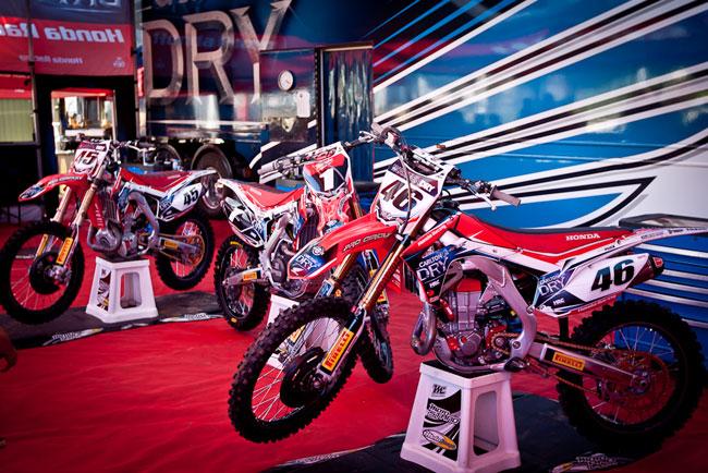 2013 Australian Supercross Rd3 Mt Gambier pit gallery