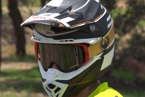 Review: 2016 Bell Moto-9 Carbon Flex helmet