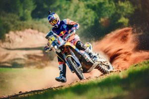 Price re-signs with Red Bull KTM through 2019 season