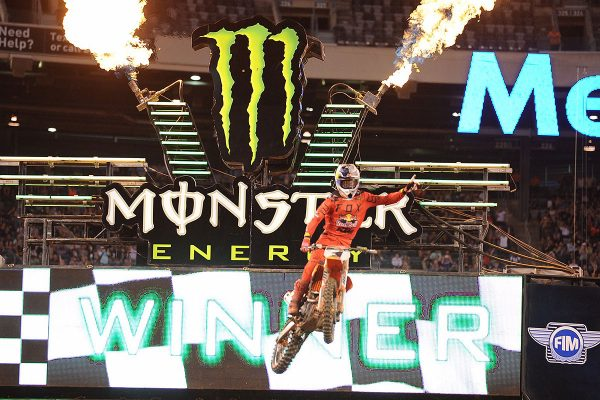 Dungey scores pivotal East Rutherford supercross victory