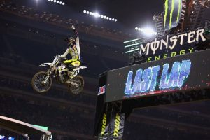 Pivotal Houston win hands Anderson supercross points lead