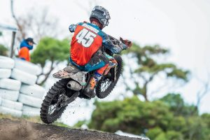 Points leader Mellross shakes supercross specialist title