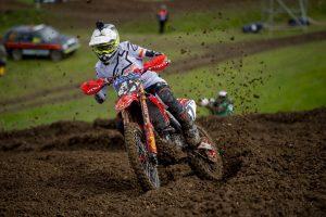 Injured Malkiewicz endures challenging debut at British MXGP