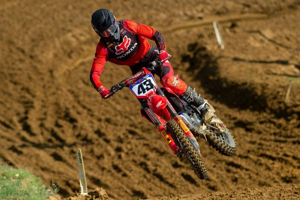 Evans elects to undergo further surgery on troublesome wrist